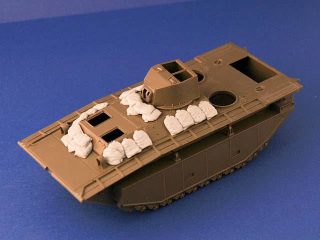 R35-049, Sand Armor for LVT 4/5 Landing Craft, 1/35