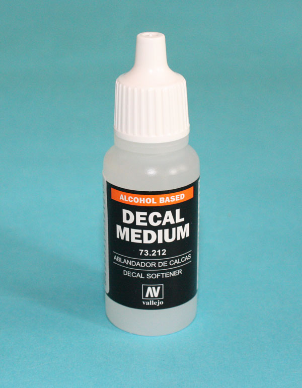 Vallejo (AV73212) Decal Medium (Solvent), 17ml